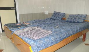 Double_Bed_Non_Ac_Room-1.jpg